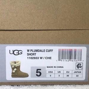 UGG Plumdale Cuff Short Pom Pom Chestnut 1102933 NWT